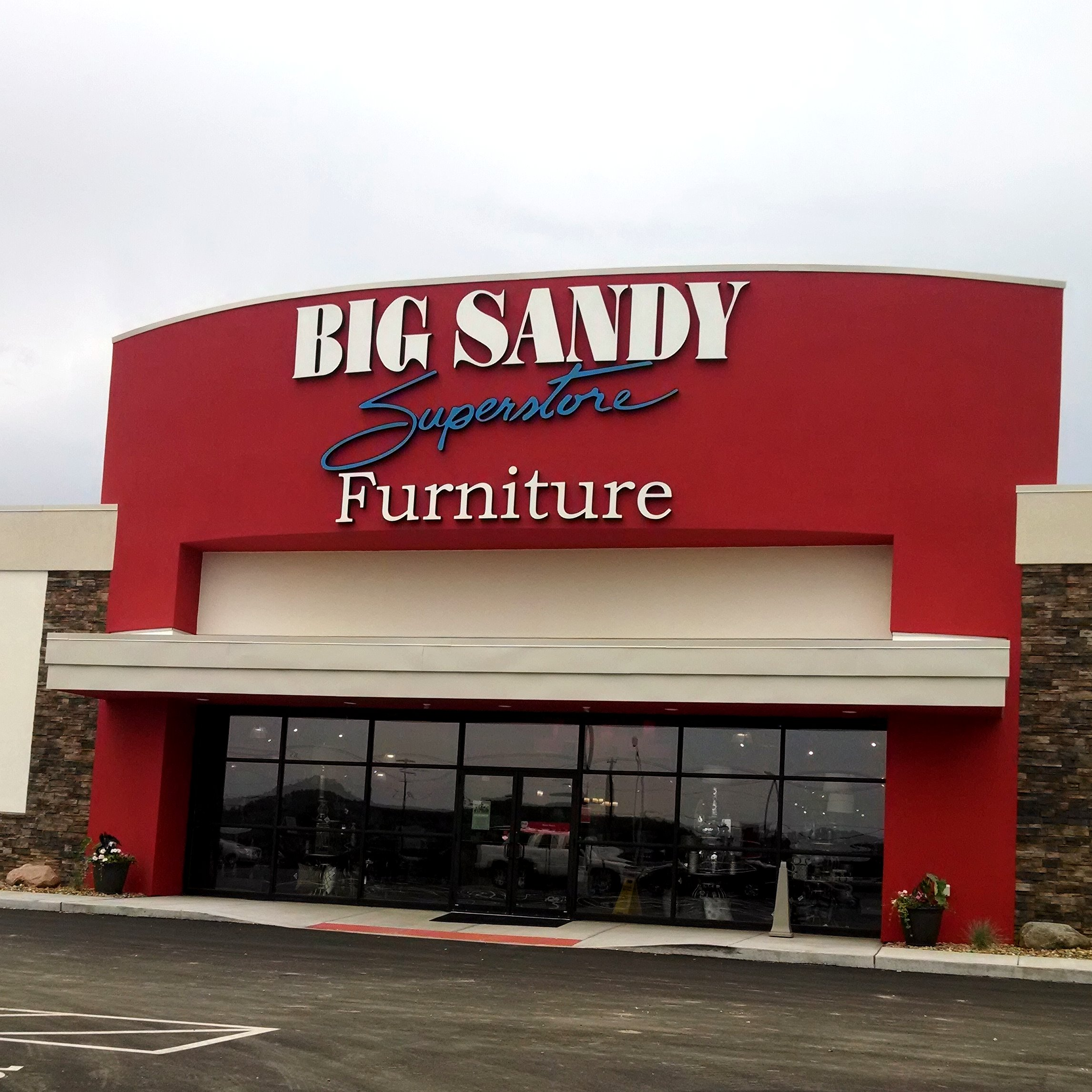 Big Sandy Suerstore   Lancaster